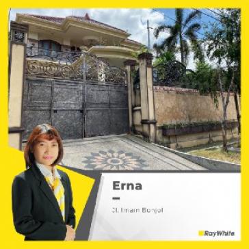 Rumah Dijual Asri Tengah Kota, Jl. Imam Bonjol, Surabaya Barat