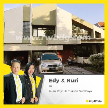 Rumah mewah di Raya Jemursari, Lokasi bagus di Surabaya Selatan