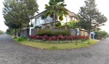 Dijual Rumah di Villa Golf Boulevard